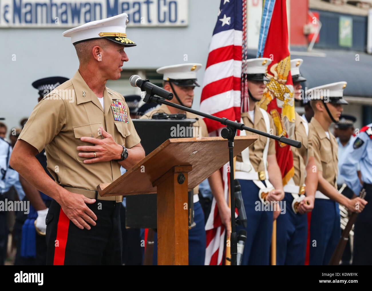 Us Marine Corps Generalmajor Eric M. Smith, Kommandierender General der 1. Marine Division, liefert eine Rede nach Stockfoto
