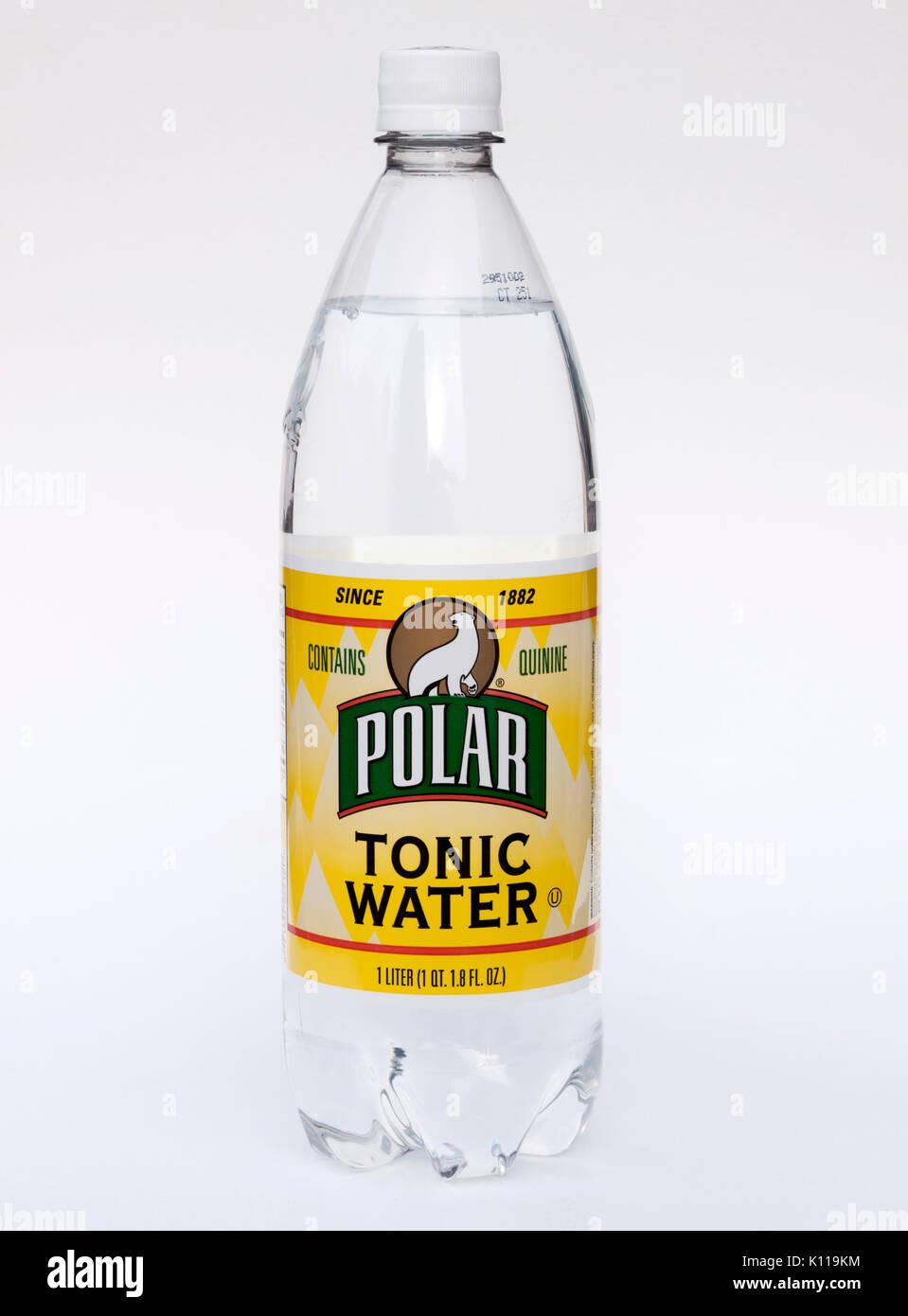 Flasche polar Tonic Water. Enthält das Chinin, das Fuß- und Bein Muskelkrämpfe zu stoppen. Stockbild