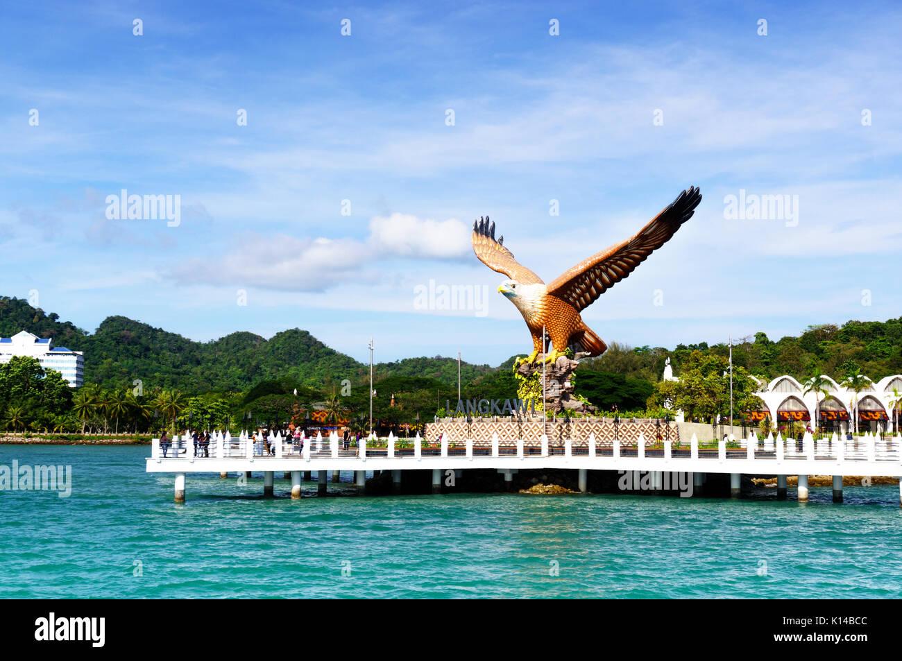 Schuß von Langkawi Eagle Square aus dem Meer Stockbild