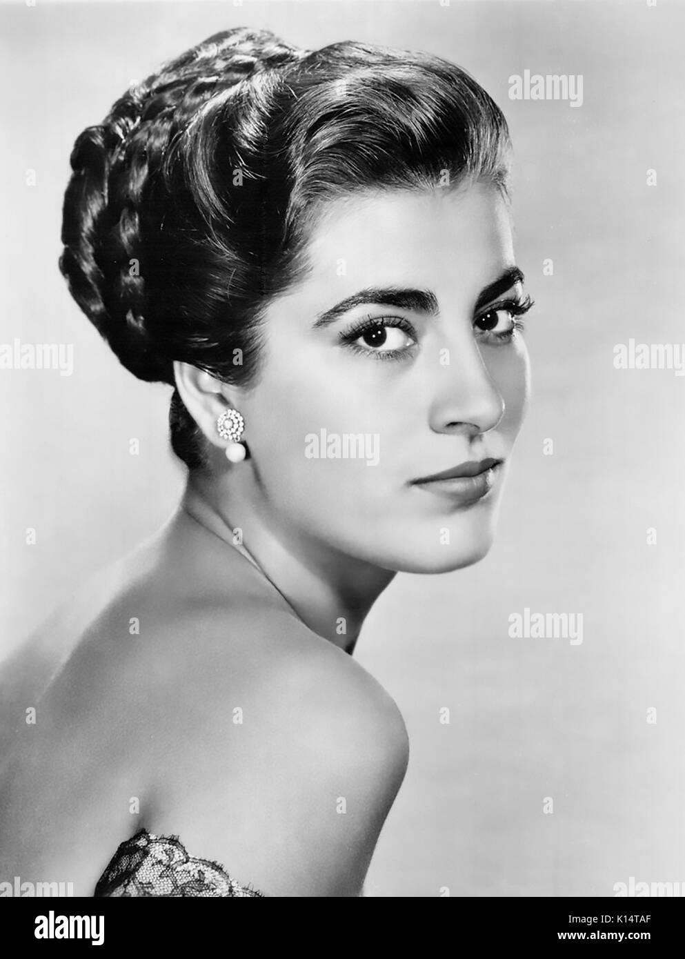 IRENE PAPAS griechische Schauspielerin während der Dreharbeiten Tribut an ein schlechter Mann 1946 Stockbild
