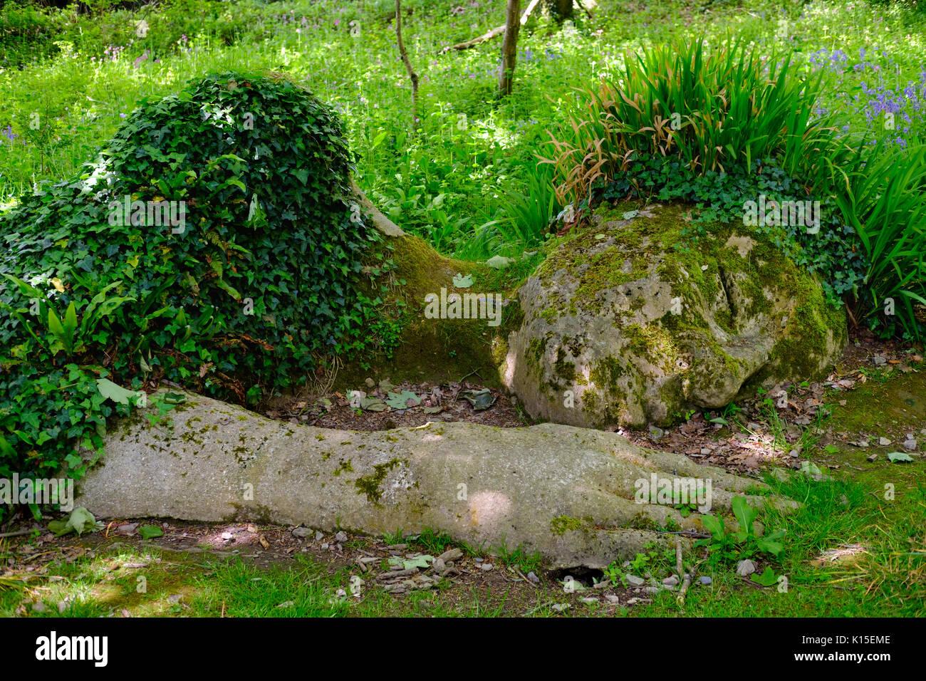 Skulptur der Mud Maid von Susan Hill, die Verlorenen Gärten von Heligan, in der Nähe von St Austell, Cornwall, England, Vereinigtes Königreich Stockbild