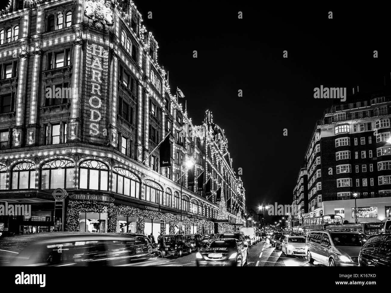 harrods london christmas stockfotos harrods london christmas bilder seite 3 alamy. Black Bedroom Furniture Sets. Home Design Ideas