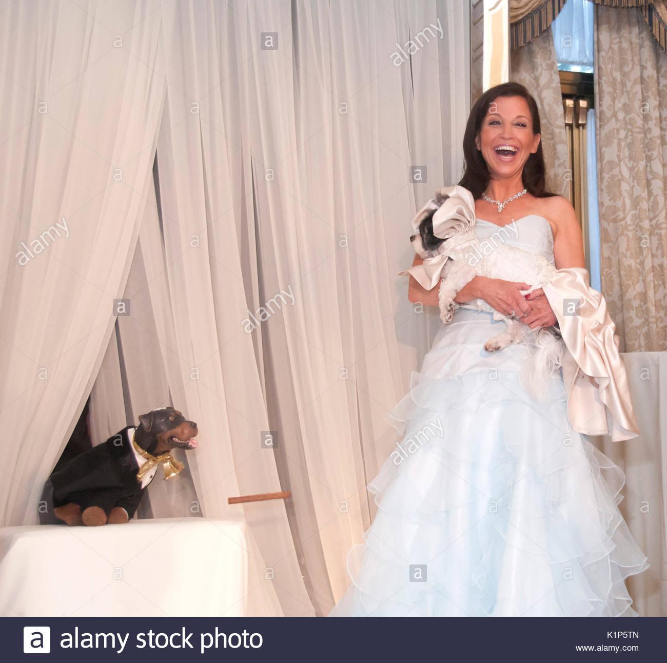 Triumph Der Beleidigung Hund Wendy Diamant Und Baby Hope Diamond