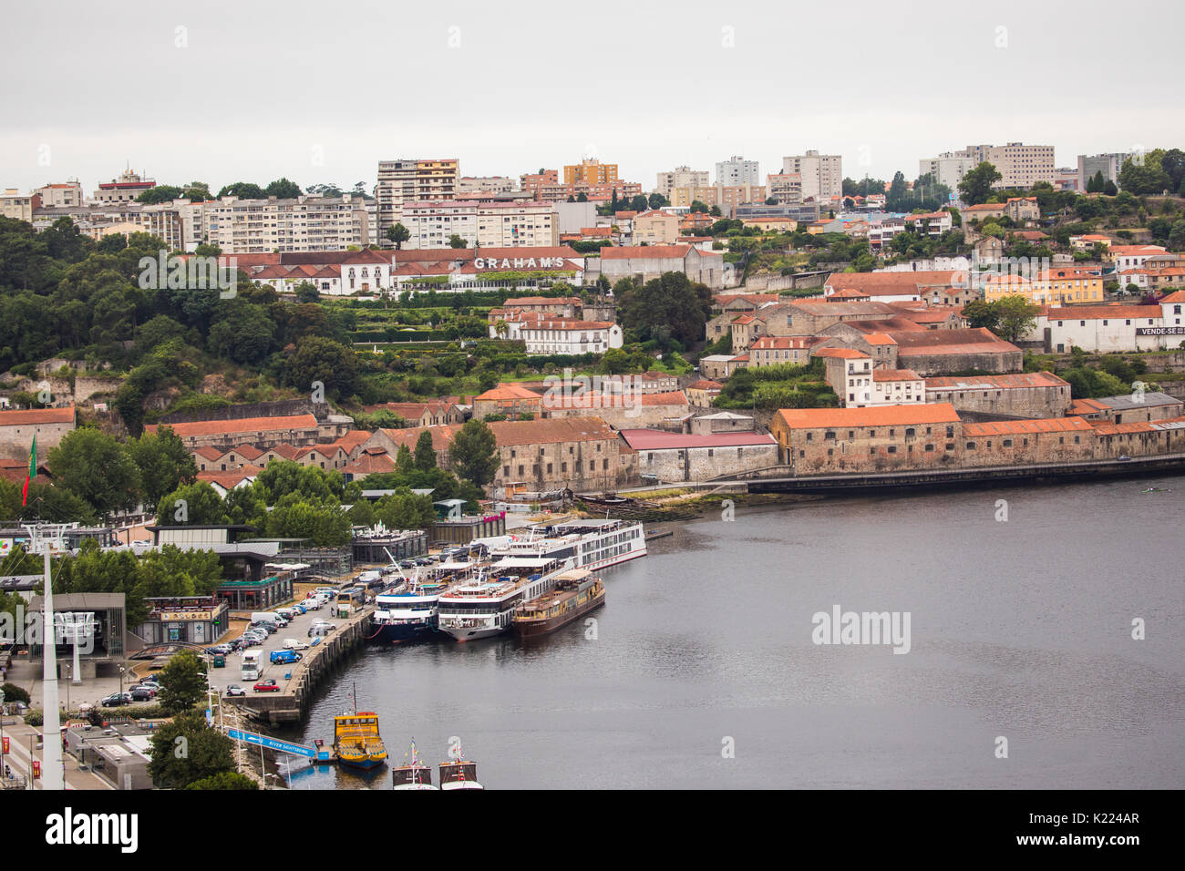 old market porto portugal stockfotos old market porto portugal bilder alamy. Black Bedroom Furniture Sets. Home Design Ideas