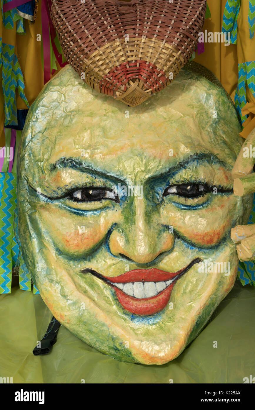 Ein lächelndes Gesicht der Sonne in Pappmaché, Fremont Solstice Festival, Seattle, Washington, United States Stockbild
