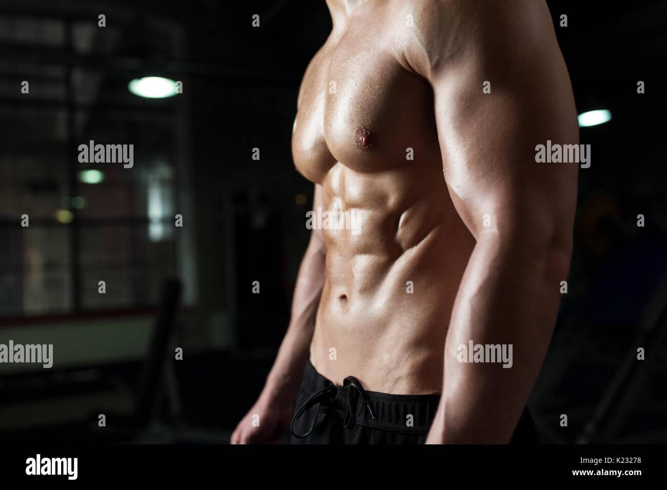 männlicher körper nackt