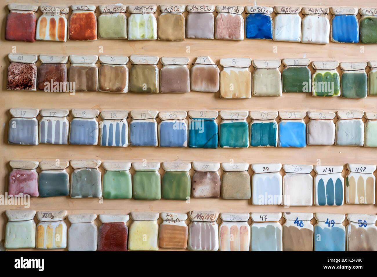 Topferei Farbmuster Auf Wand Stockfoto Bild 156216928 Alamy