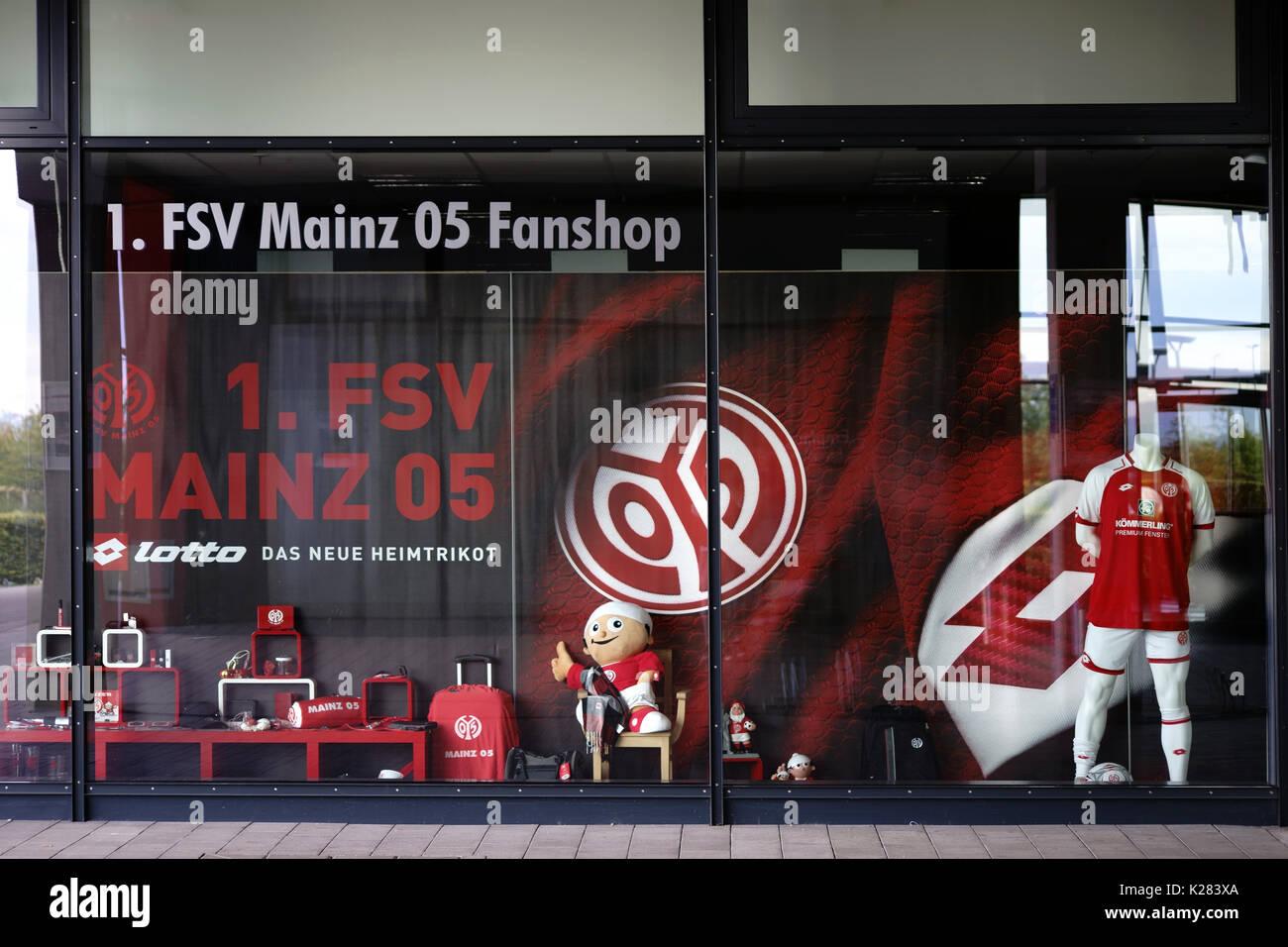 mainz, deutschland - 20. august 2017: der fan shop der fsv mainz 05