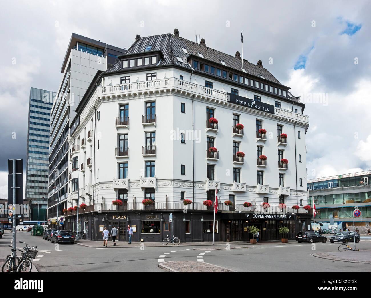 Profil Hotels Kopenhagen Plaza in die Bernstoffsgade einbiegen Am Bahnhof in Kopenhagen Dänemark Europa Stockbild