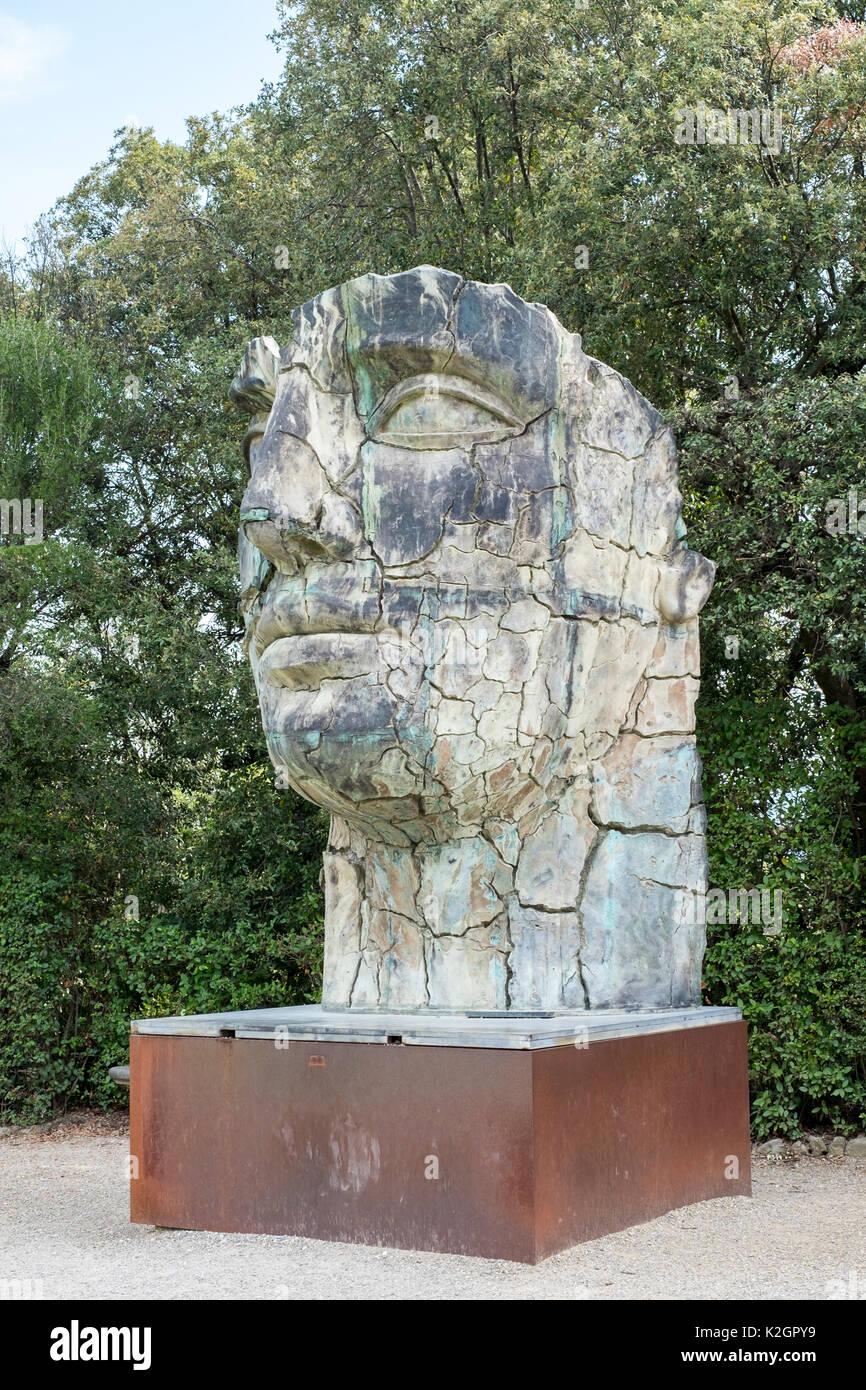 Riesige Kopf Skulptur Von Igor Mitoraj Die Boboli Garten Florenz Italien Stockfotografie Alamy