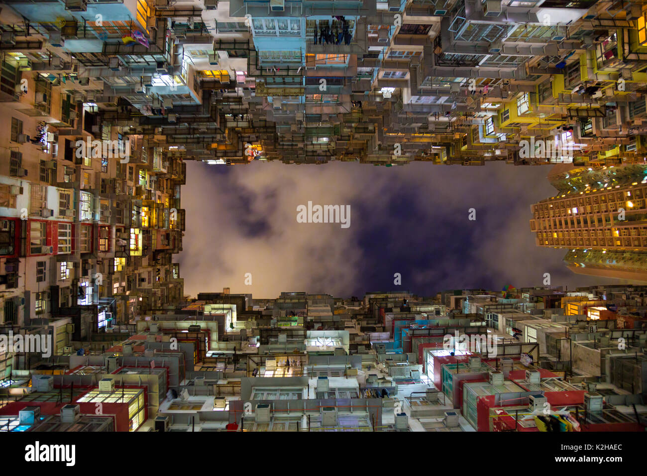 Am Abend in der Montanen Mansion, Quarry Bay, Hong Kong Stockbild
