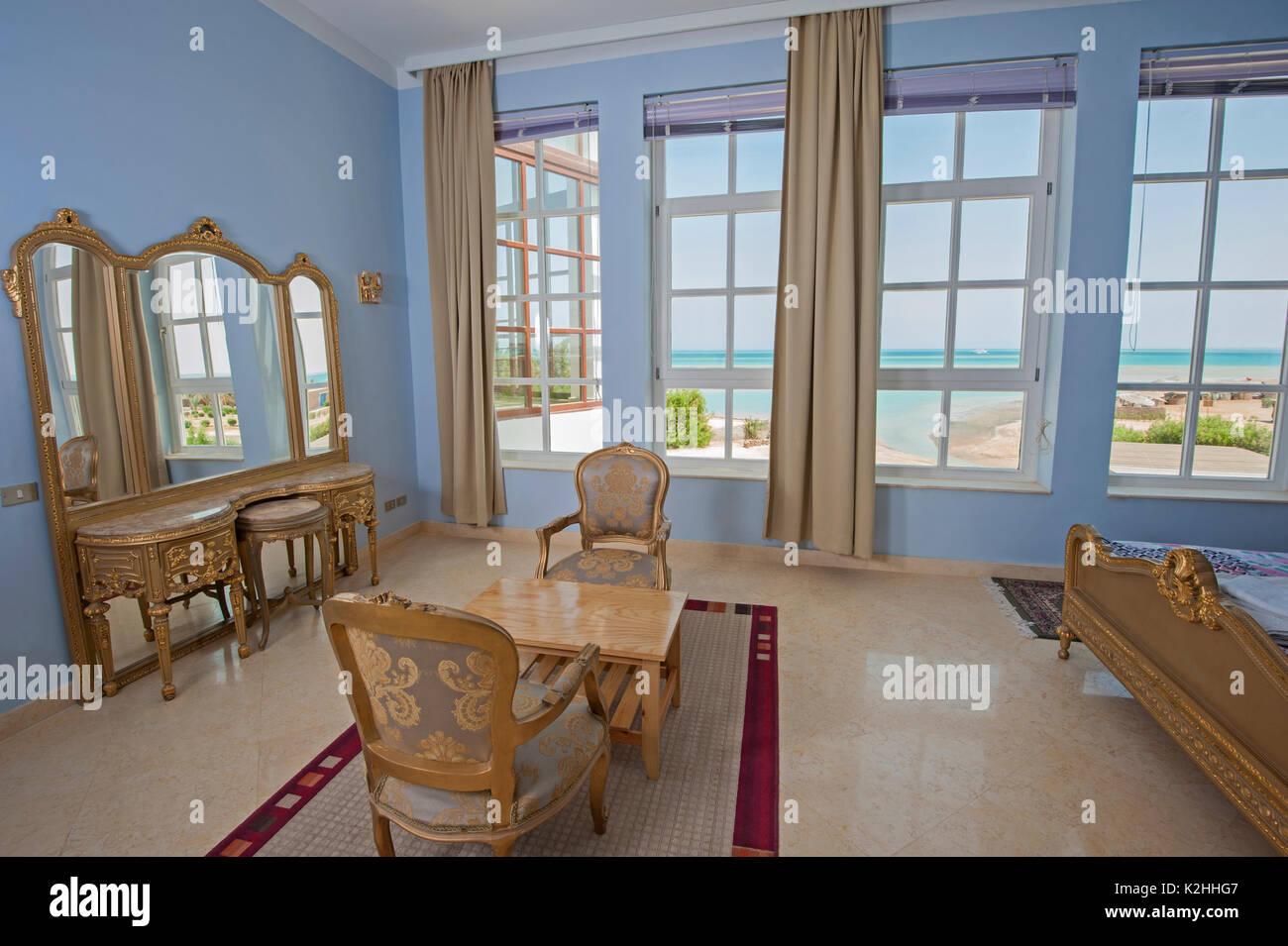 Interior Design Einrichtung Einrichtung Von Luxus Zeigen Home Schlafzimmer  Mit Tropischen Meerblick Mit Verzierten Schminktisch Und Spiegel