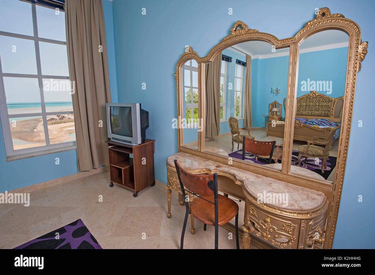 Interior Design Einrichtung Einrichtung Von Luxus Zeigen Home Schlafzimmer  Mit Tropischen Meerblick Mit Verzierten Stockbild