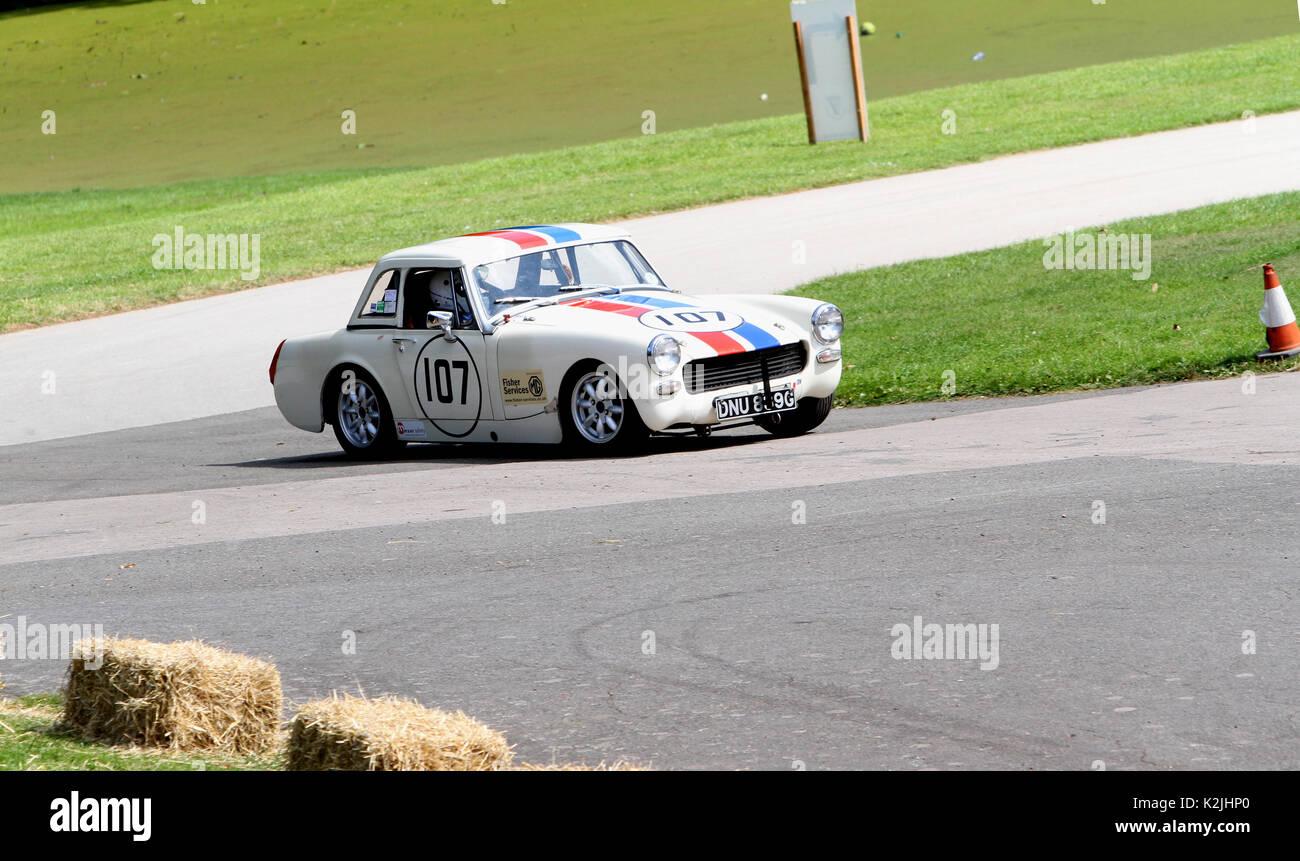 1967 MG Midget in der Zeit Versuche an der Motorsport im Palace in Süd- London England 27 08 2017 konkurrierenden Stockbild