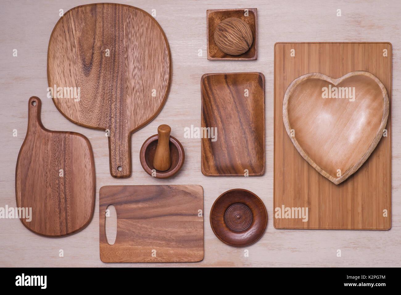 Design Konzept der Mockup nen Küchenutensilien Besteck am Tisch ...