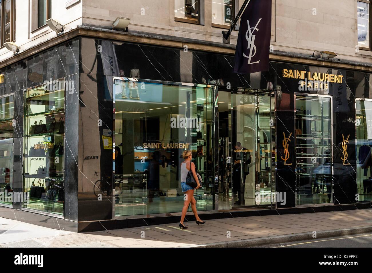 Old Designer Clothes | Das Aussere Des Saint Laurent Designer Clothing Store Old Bond