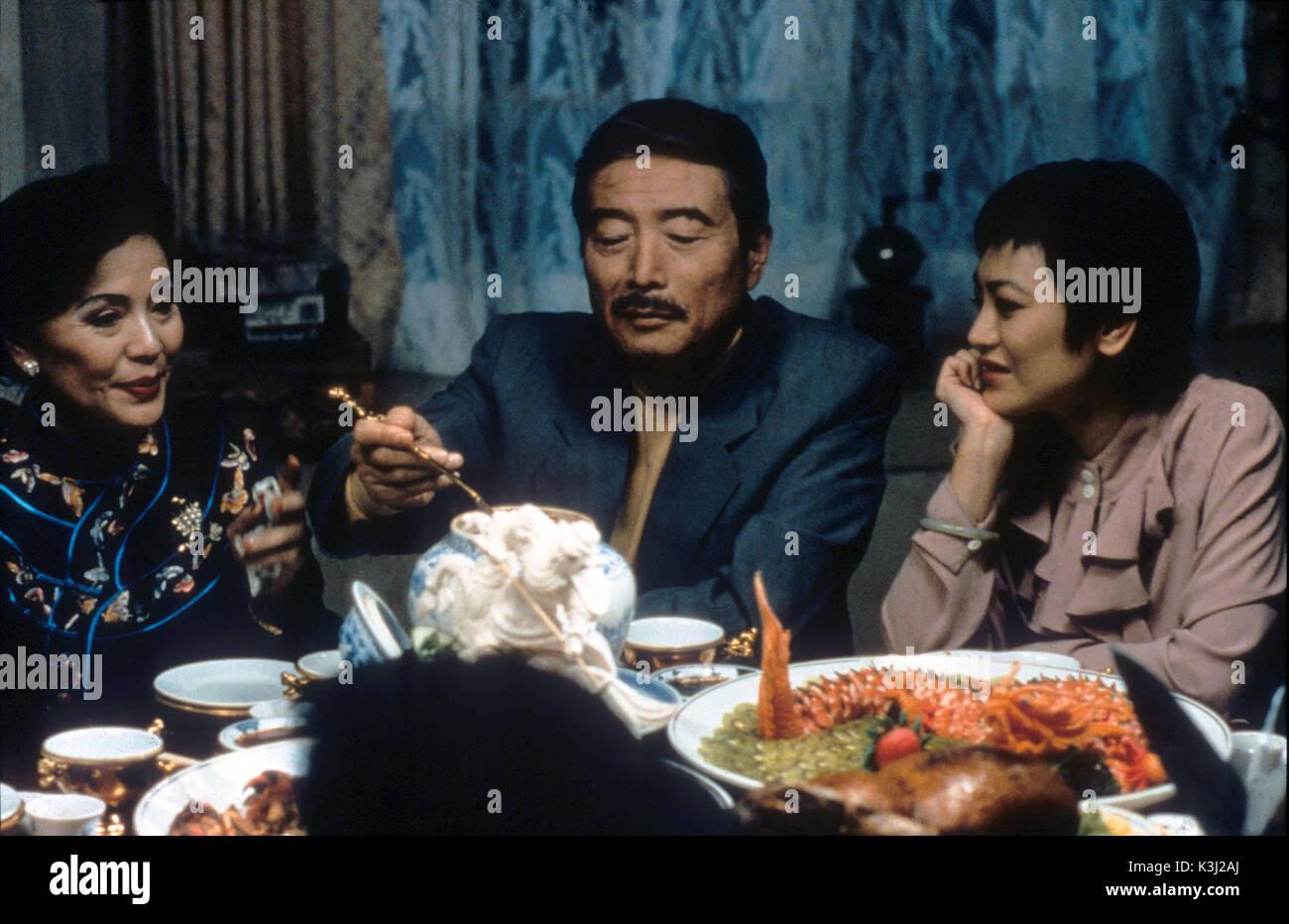 Essen trinken MANN FRAU SIHUNG LUNG Datum: 1994 Stockbild