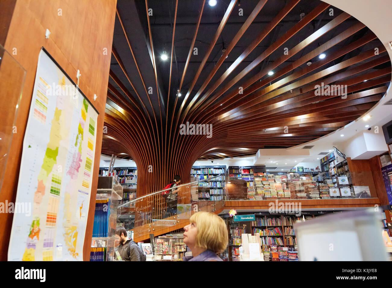 Buchhandlung Libreria Antarktis (Antarktis), Antarktis Libros innen ...