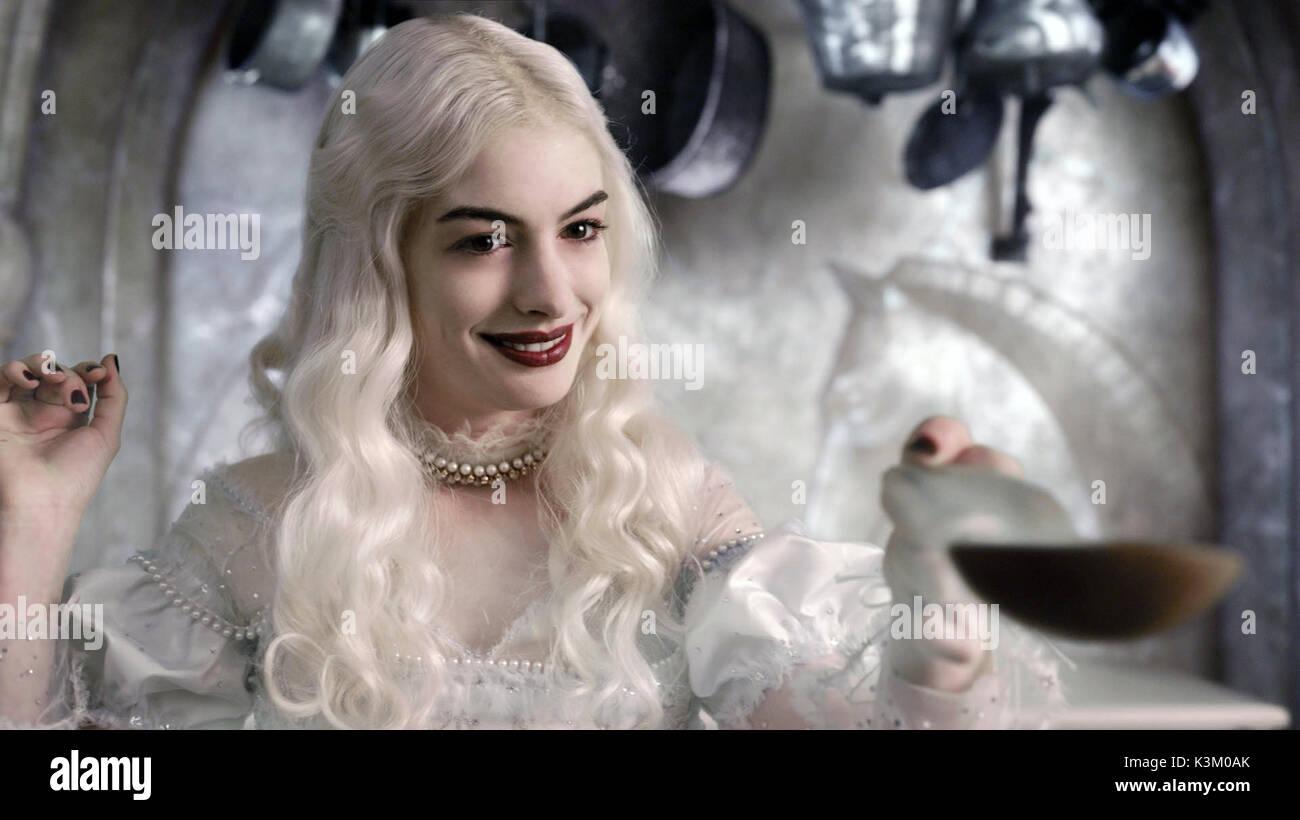 Alice Im Wunderland Anne Hathaway Als Die Weiße Königin Datum 2010