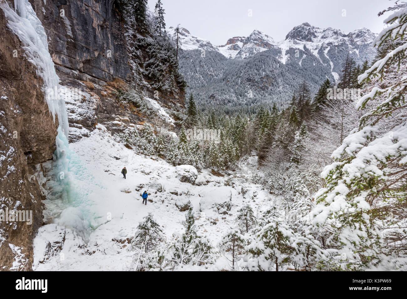 Eisfall Rislà und Naturpark Adamello Brenta Europa, Italien, Trentino Alto Adige, Trento, Nonstal, Tovel Tal, Tuenno Stadt Stockbild