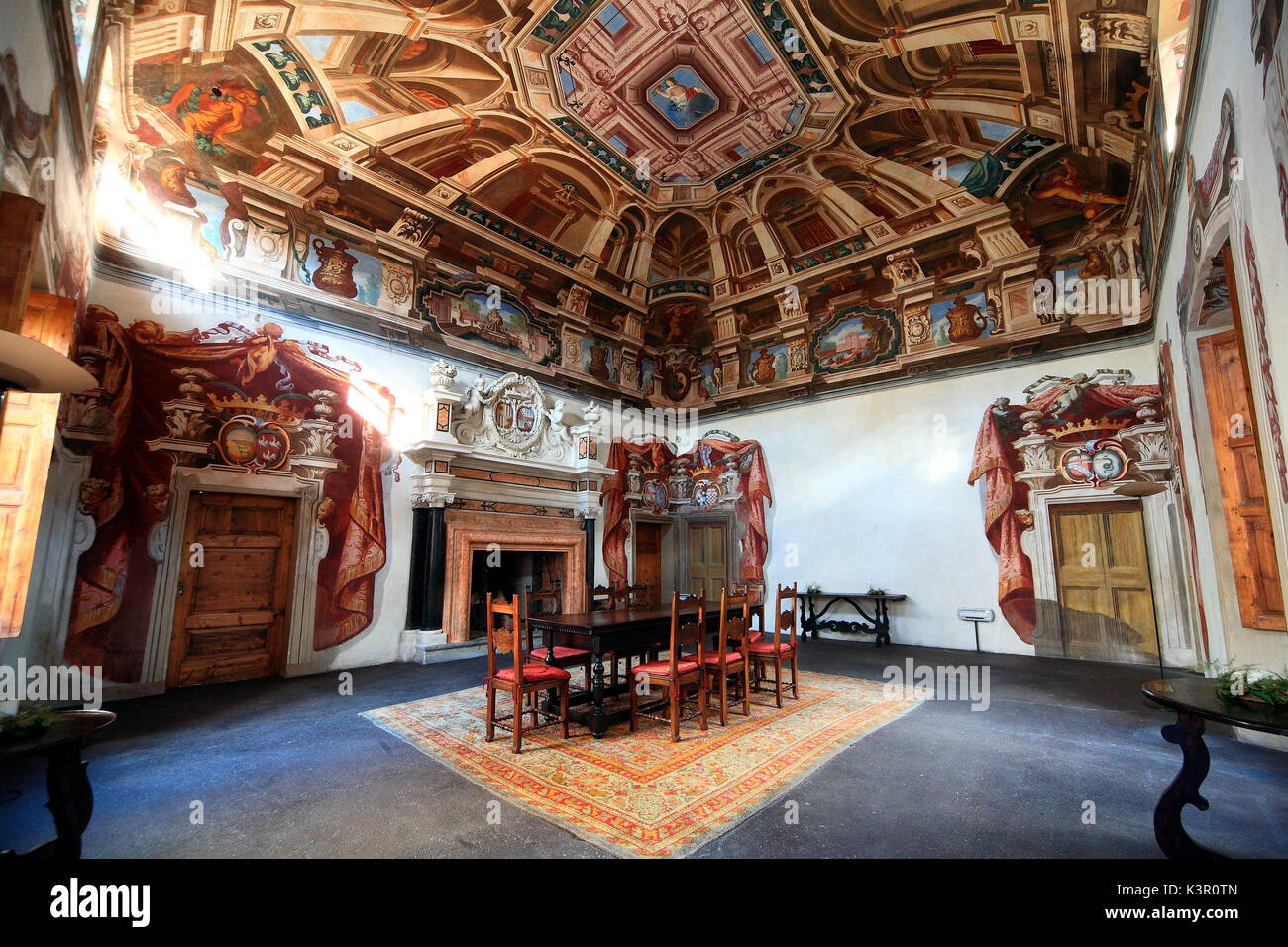 Die aloncello\' (Lesesaal) in der Sertoli Salis Palace, das zeigt ...