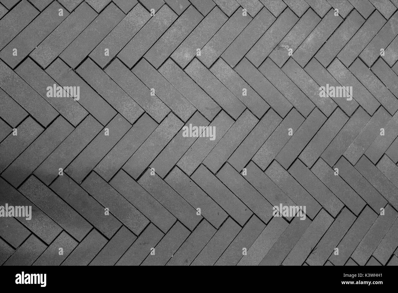 ziegelsteine in fischgrätmuster verlegt stockfoto, bild: 157299885