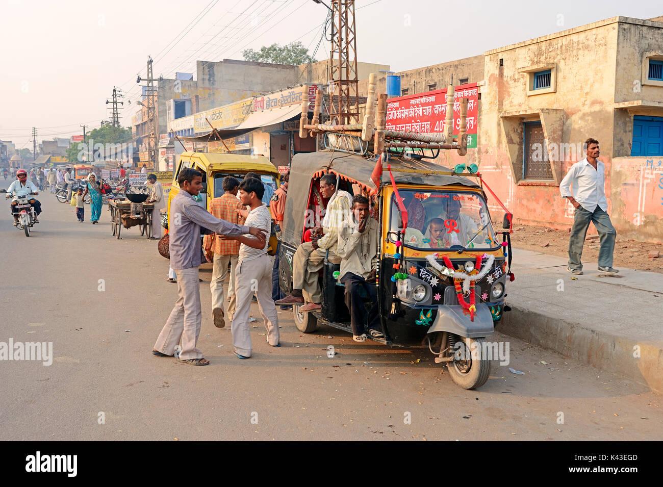 Auto-rikscha, Bharatpur, Rajasthan, Indien | Auto-Rikscha, Bharatpur, Rajasthan, Indien Stockbild