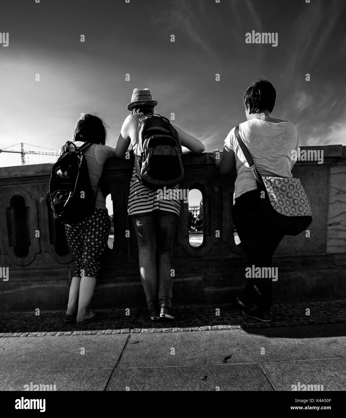 Drei Ladys in Berlin Stockbild