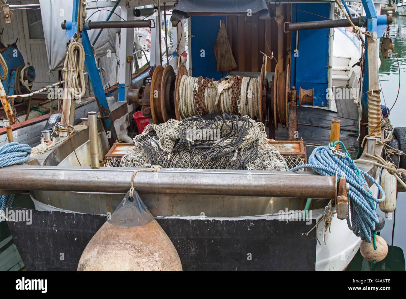 Ausgangssprache Englisch detaillierte Ansicht von einem Fischerboot im Hafen Der istrischen Dorf von Novigrad Stockbild