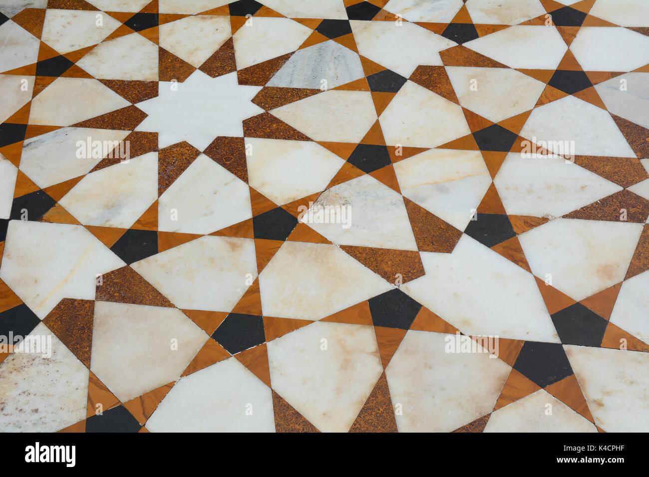 Aus Marmor Oder Granit Bodenplatten Fur Den Aussenbereich Fur