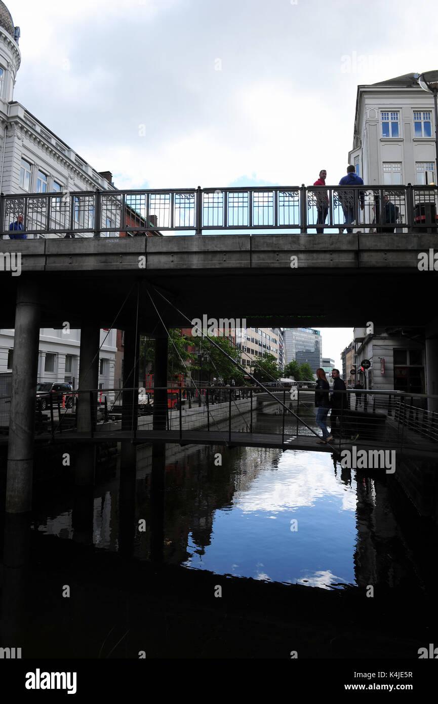 Die Fußgängerzone der Kanalzone in Aarhus, Dänemark Stockbild