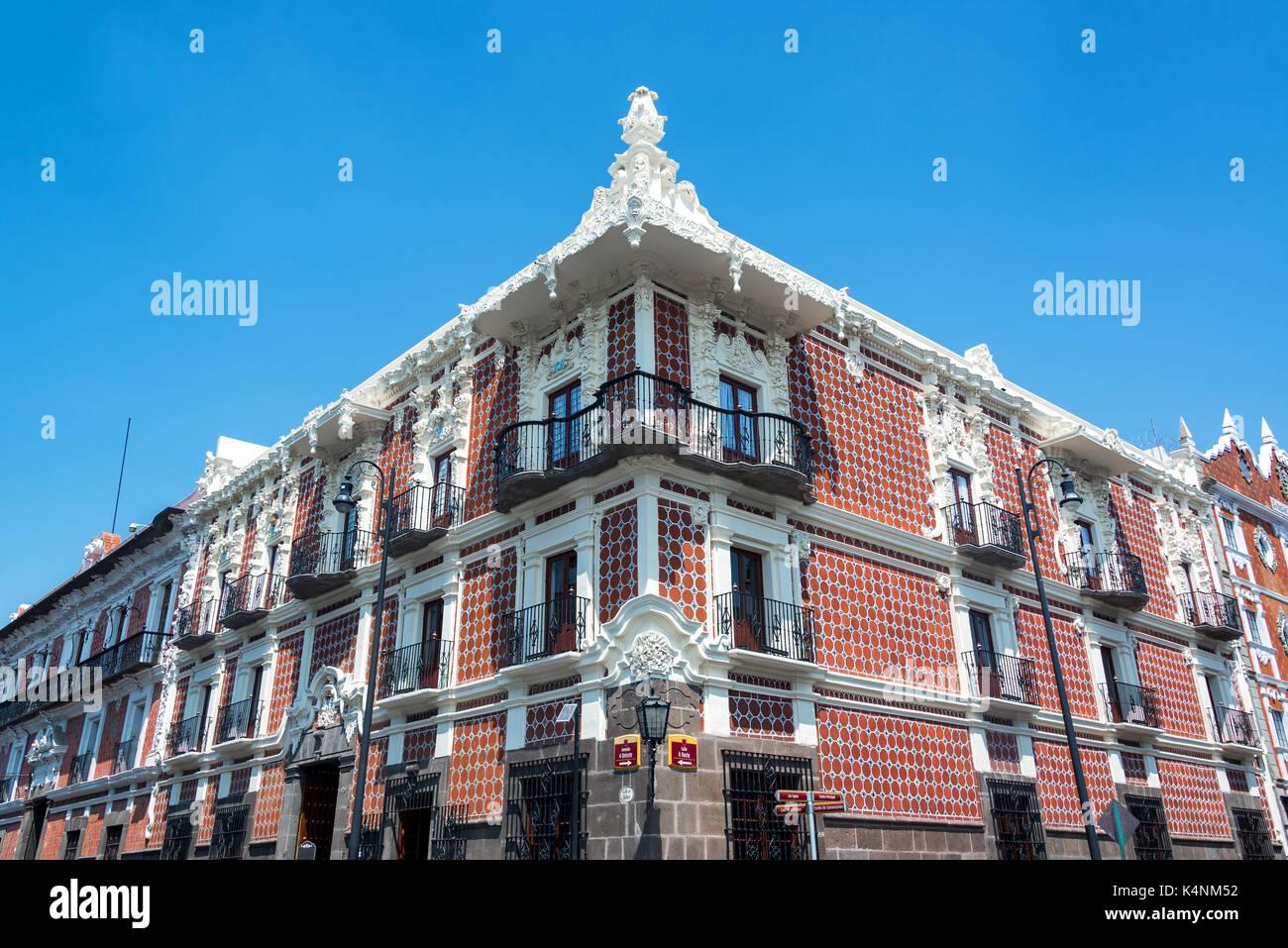 Schönes Haus außen in talavera Keramik in Puebla, Mexiko abgedeckt ...