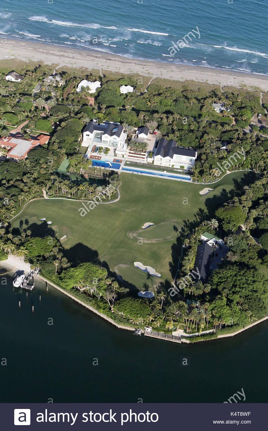 Der Tiger Wood House in Jupiter, Florida. Handwerker durchführen, um ...