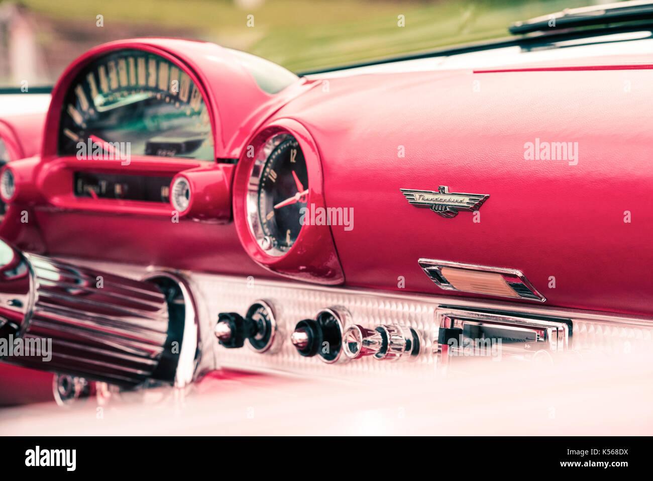 1955 Ford Thunderbird Cabrio Interieur. Klassische amerikanische T ...