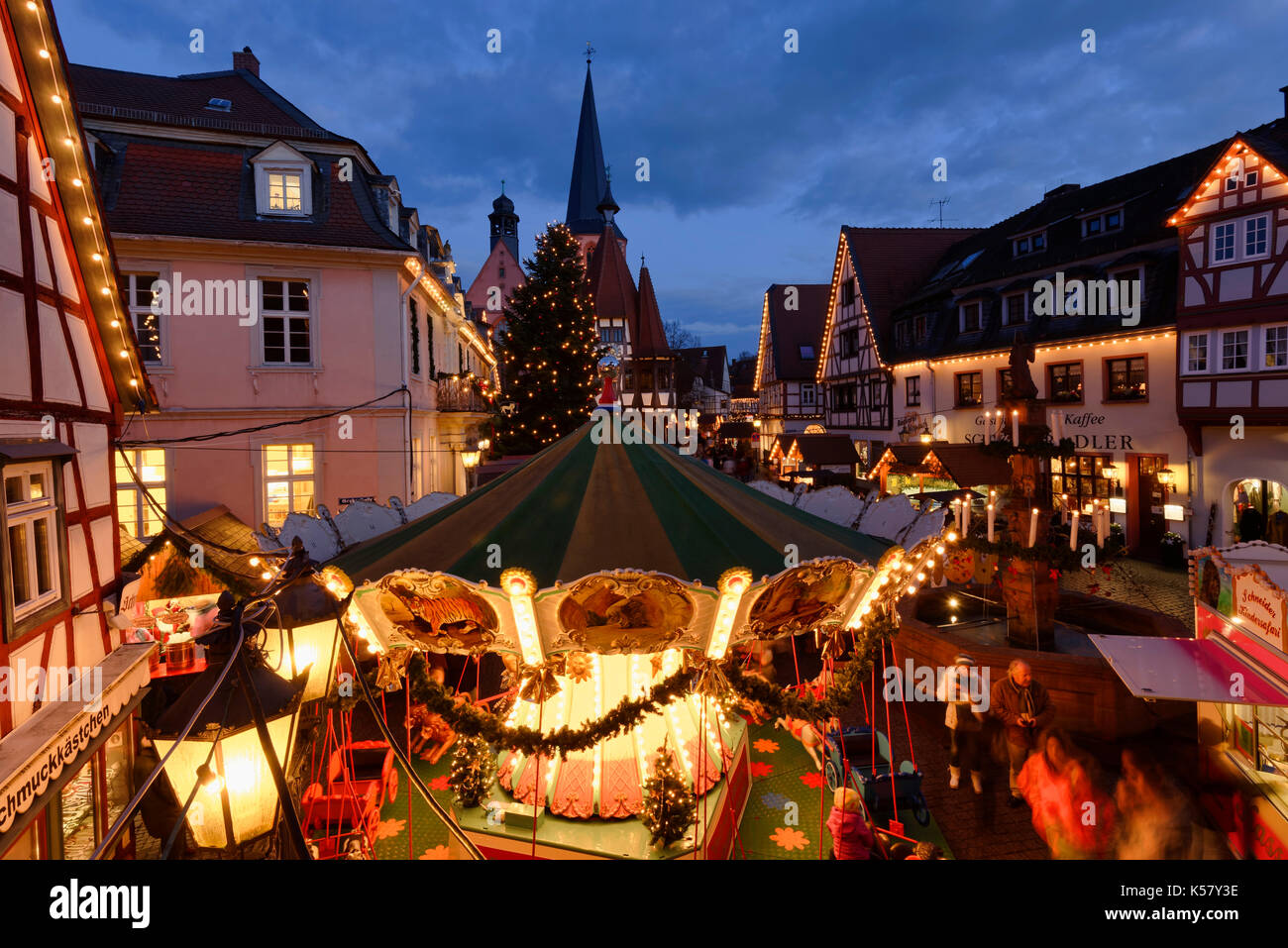weihnachtsmarkt auf dem marktplatz in der altstadt von. Black Bedroom Furniture Sets. Home Design Ideas