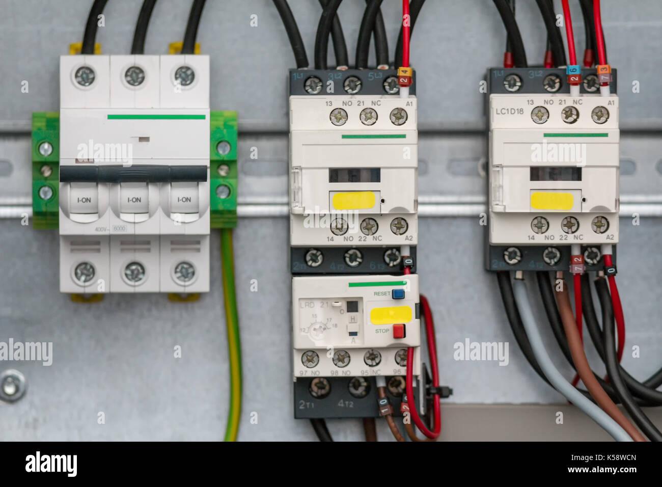 Verschiedene elektrische Detail - Transistoren oder Widerstände - Sicherheit elektronischer Geräte Stockbild
