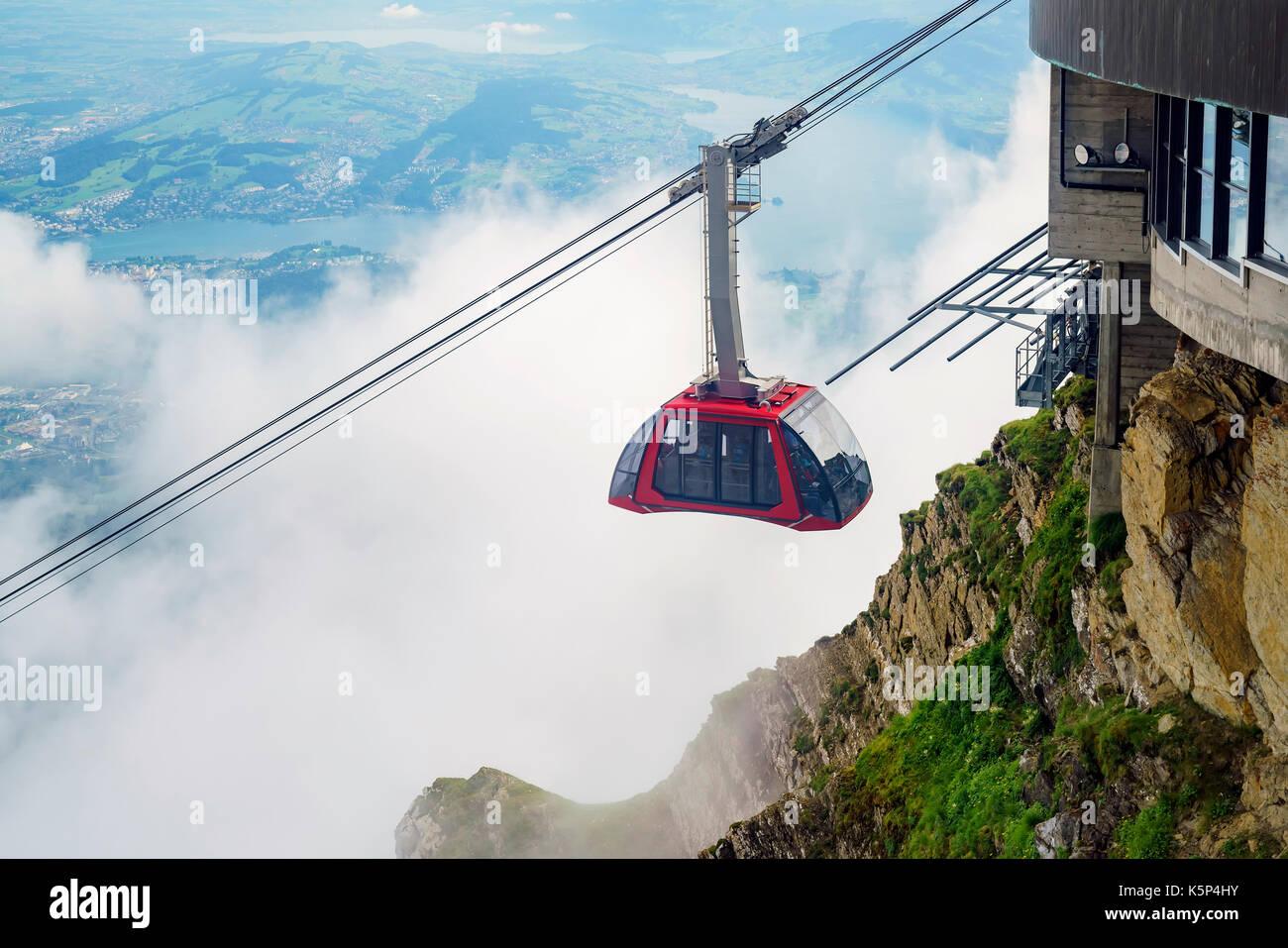Die neue und schöne Seilbahn - Drachen Ritt auf den Pilatus, Luzern, Schweiz Stockfoto