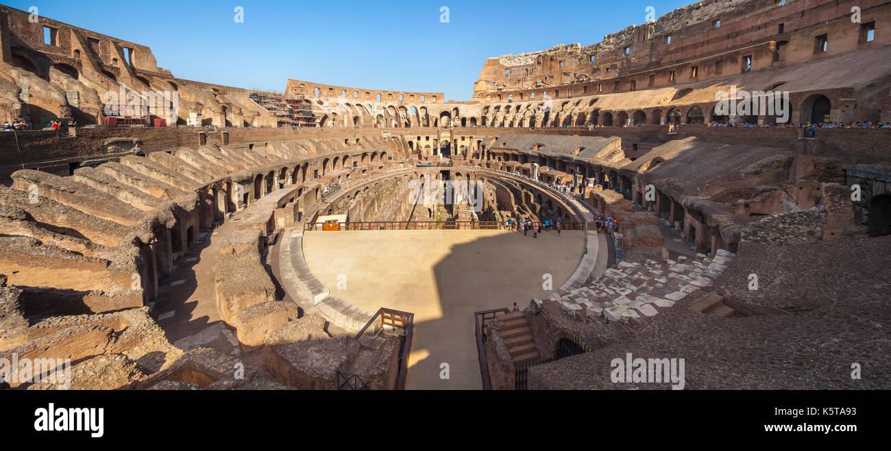 Panoramablick auf Arena, Kolosseum, Rom, Italien Stockbild