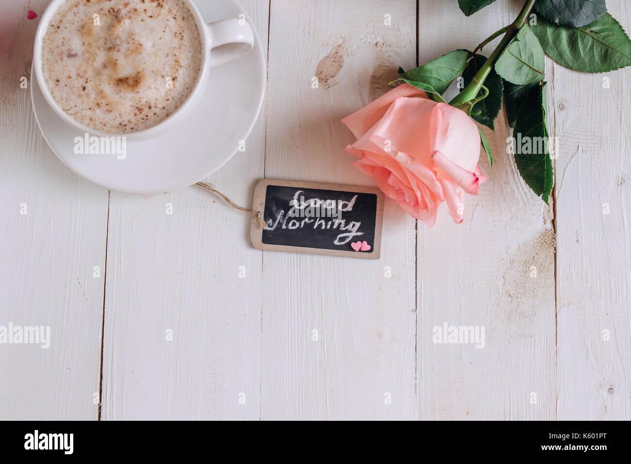 Kaffeebecher Mit Kuchen Rose Und Noten Guten Morgen Auf