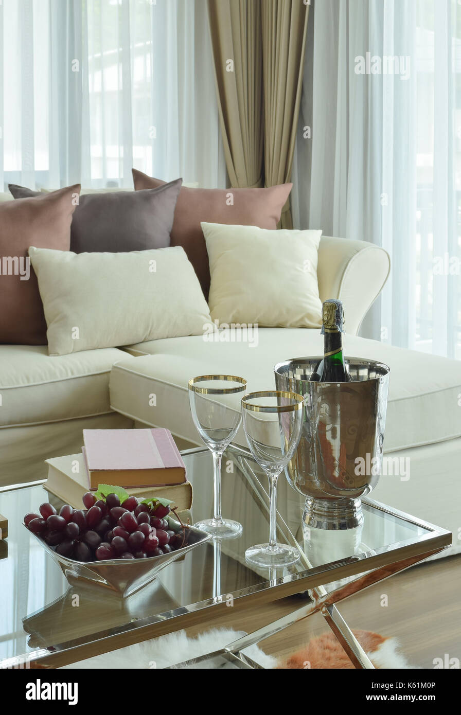 room sofa stripes table stockfotos room sofa stripes table bilder alamy. Black Bedroom Furniture Sets. Home Design Ideas