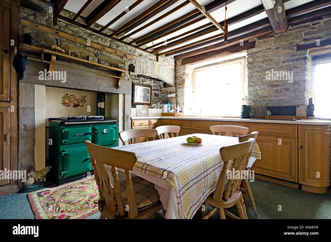 Farmhouse Kitchen Aga Stockfotos & Farmhouse Kitchen Aga Bilder - Alamy