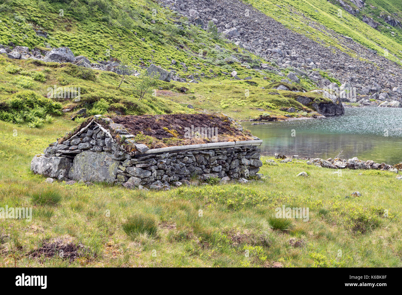 Berühmt Sehr alte Hütte Haus bauen aus gestapelten Steinen eine Pflanzen AA57