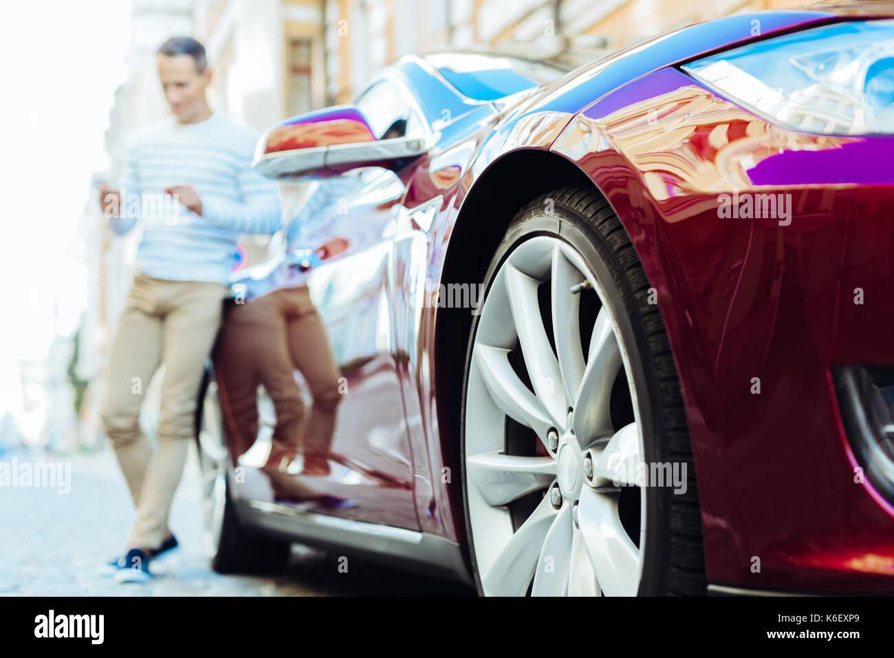 Selektiver Fokus eines modernen teures Auto Stockbild