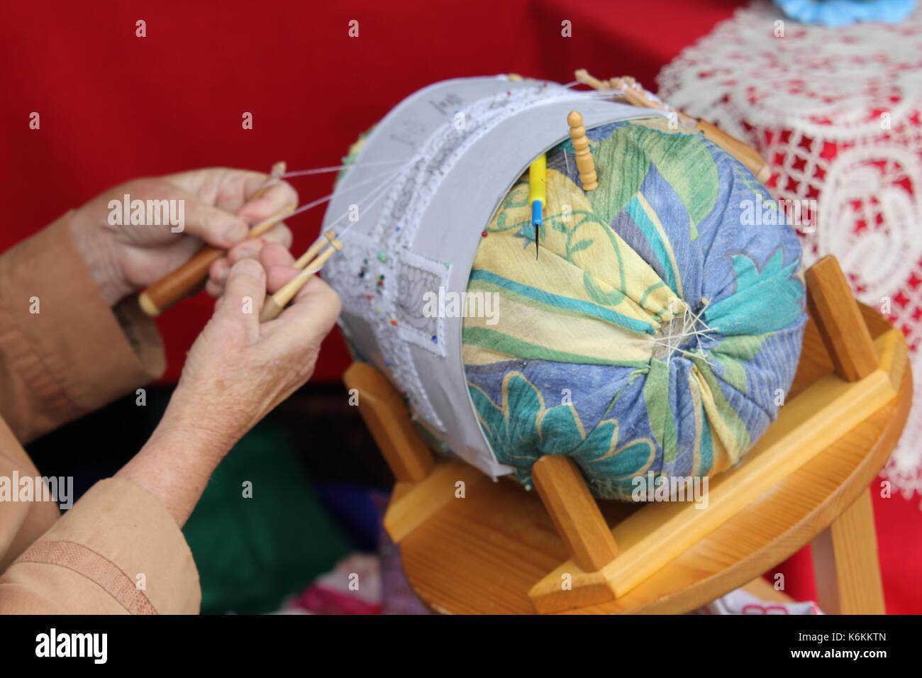 Glöppeln Handarbeit Glocke Glöckchen Häkeln Handwerk