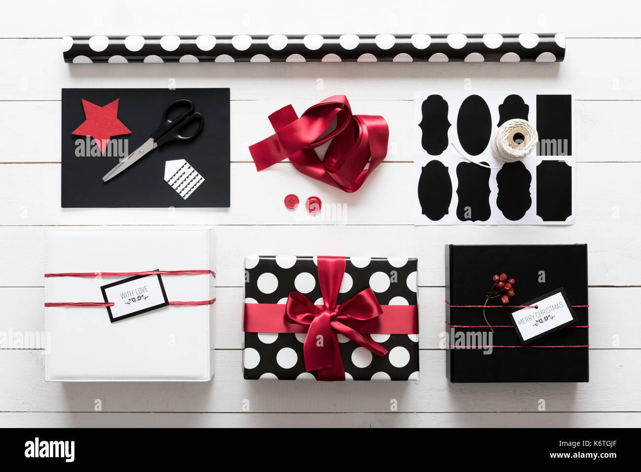 Elegant und schön schwarz, rot und weiß Weihnachtsgeschenke ...