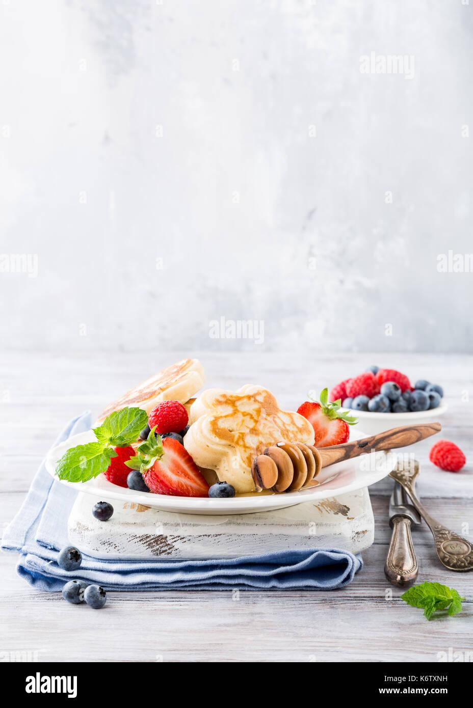 Frühstück mit Scotch Pfannkuchen Stockbild