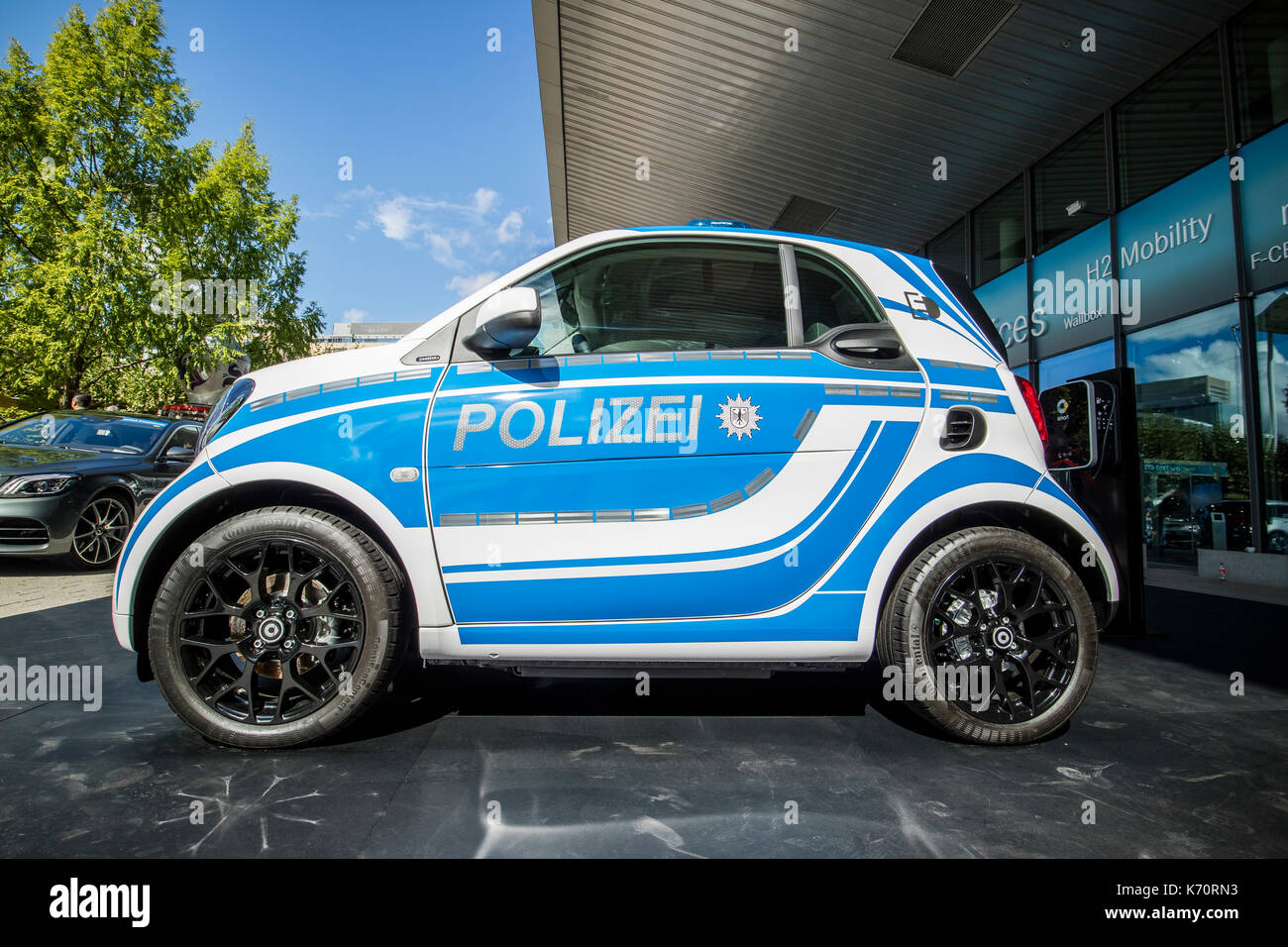 intelligentes auto polizeiauto stockfotos intelligentes. Black Bedroom Furniture Sets. Home Design Ideas