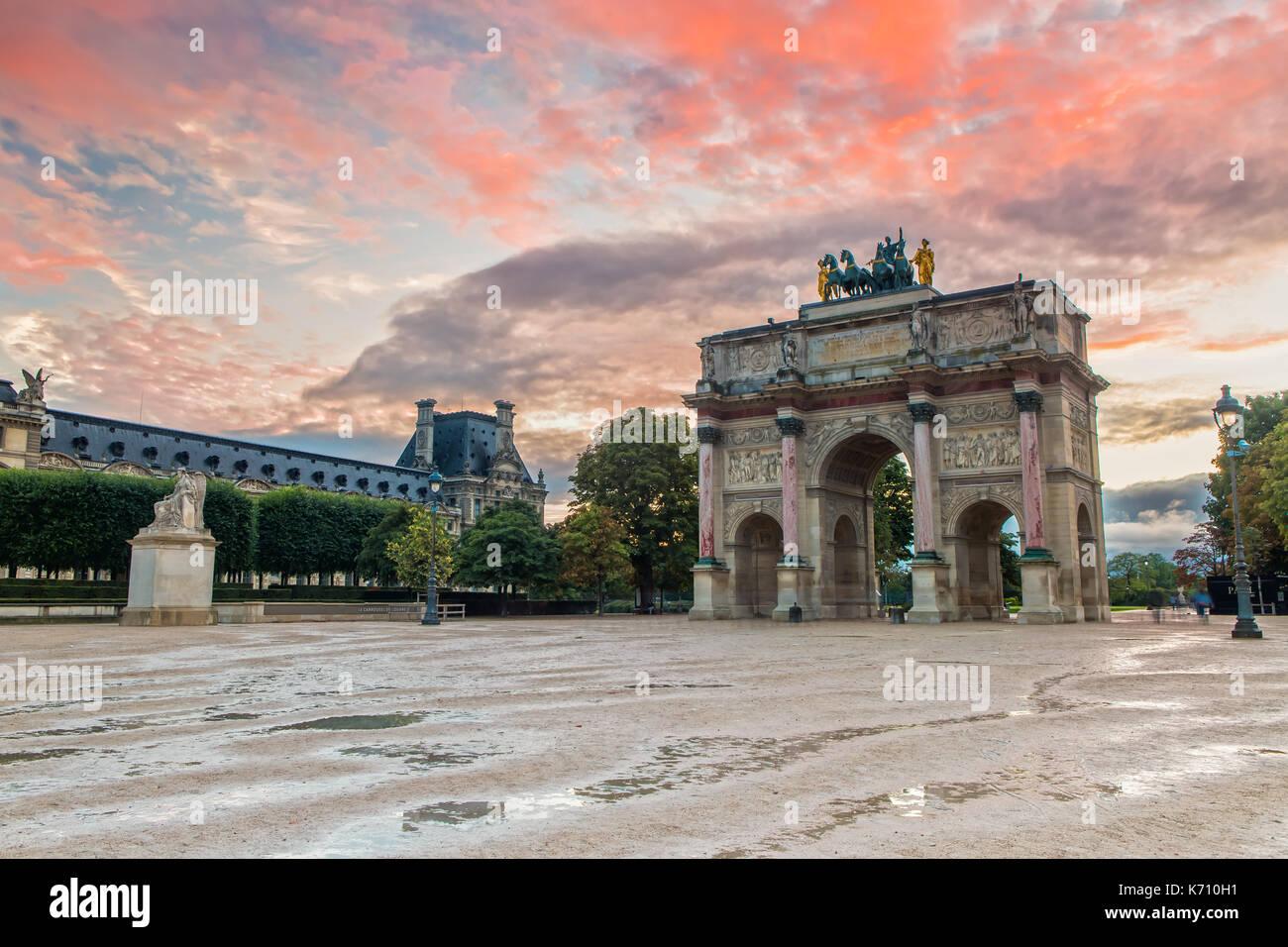 Arc de Triomphe du Carrousel bei Sonnenuntergang Stockbild