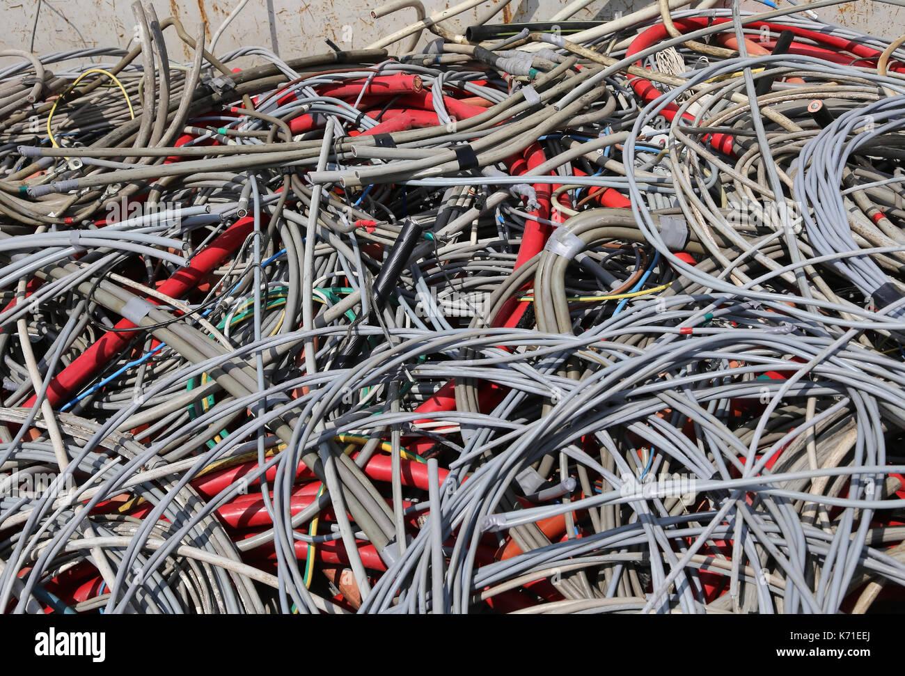 Tolle Elektrische Kabelführung Fotos - Elektrische Schaltplan-Ideen ...