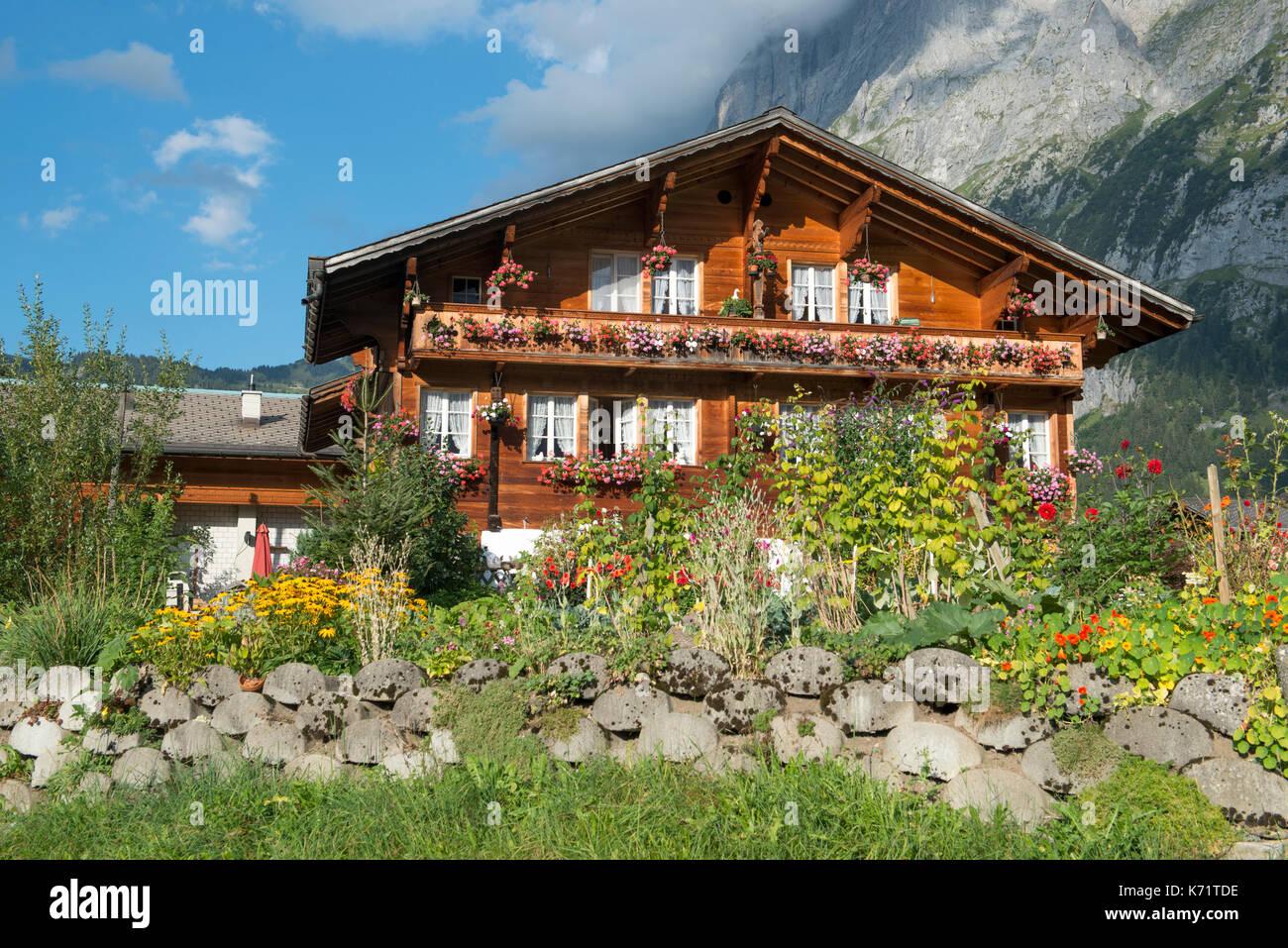 Traditionelle Holz- Alpine House mit Grindelwald, Schweiz Stockbild